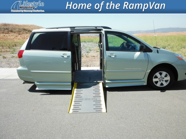 2006 Toyota Sienna IMS Toyota Wheelchair Van For Sale