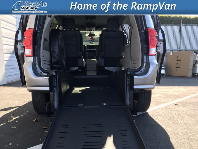 2017 Dodge Grand Caravan BraunAbility BraunAbility Dodge Manual Rear Entry Wheelchair Van For Sale